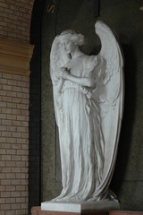 Statue of a praying angel