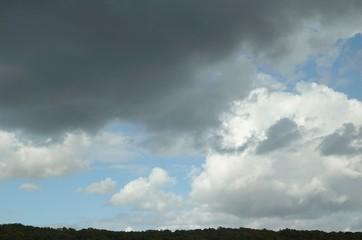 ciel chargé en Ile de France