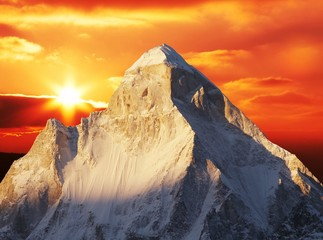 Sunset in Himalayan mountain