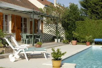 piscine privée et maison