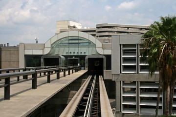 mono-rail terminal