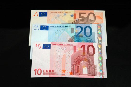 Eighty euro notes