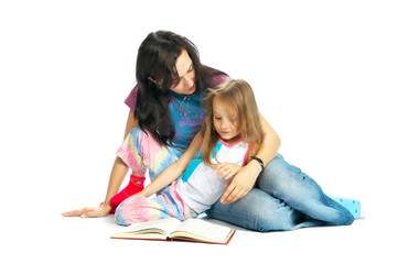 ma and daughter read book