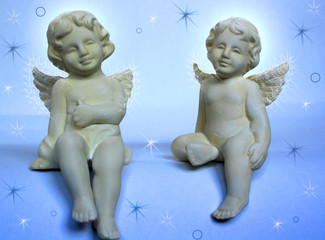 Zwei Engeln