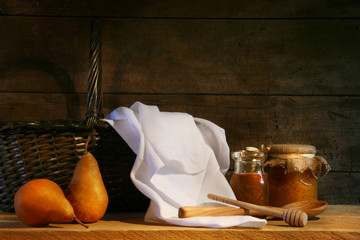 Two pears with white cloth