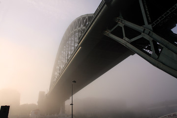 Fototapete - The fog on the Tyne