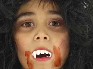 vampir mit blut