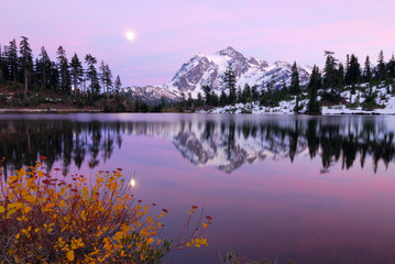 Wall Murals Sunset at Mount Shuksan with reflection at Picture Lake