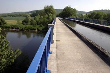 Pont canal de Flavigny