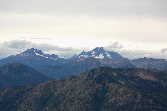Mountain peaks on Canadian-Washington border