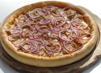 Pizza mit Zwiebeln