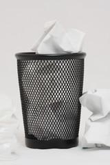 poubelle papier jeter3