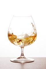 Verre de cognac et turbulence