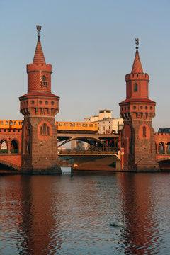 Oberbaumbrücke in Berlin Friedrichshain-Kreuzberg