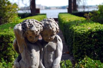 cherubs statue