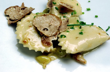 Ravioli with truffles and chopped chives