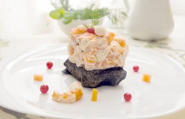 prawn and smoked salmon salad with dill sauce