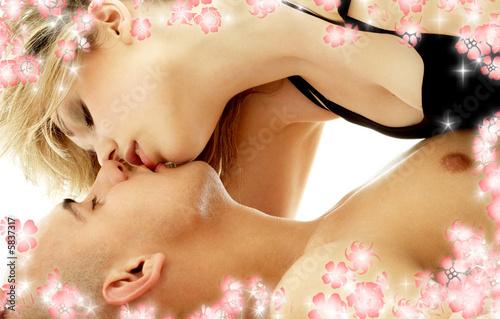 картинки секс между грудей № 558745 без смс