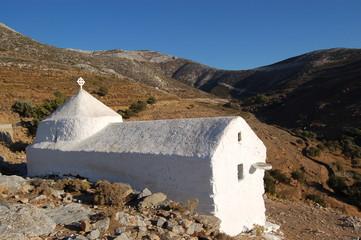 petite chapelle dans la montagne