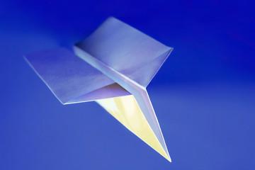 Papierflugzeug