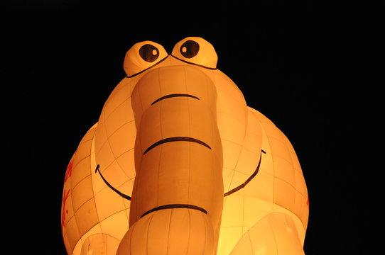 Ottifant Heißluftballon