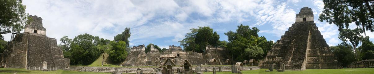 Tikal - Grans Plaza