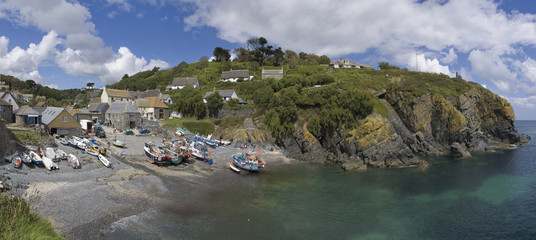 cadgwith harbour and bay fishing village and port cornwall