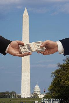 Hanshake in Washington DC with the Washington monument