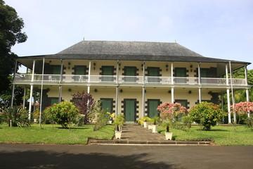 Photos illustrations et vid os de maison coloniale - Maison jardin wedding cost orleans ...