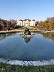Musée Rodin au fond du parc. Paris