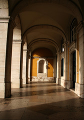 colonnade 01