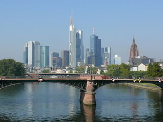 Frankfurt-Skyline am Tag