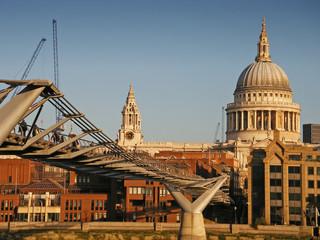 Millennium Bridge 01