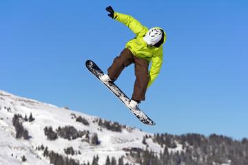 Saut snowboarding