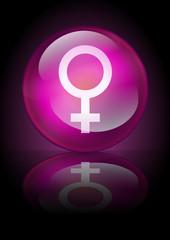 Boule de cristal féminin sur fond noir