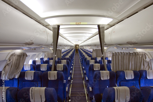Int rieur d 39 un avion de ligne photo libre de droits sur for Interieur avion