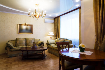 room to rich hotel
