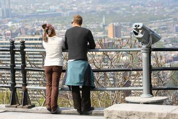 Men and women sightseeing