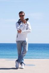A la manière de : 007    (1)