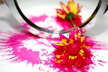 flor esborratada espelhada