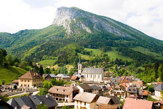 Paysage de moyenne montagne (Massif de la Chartreuse)