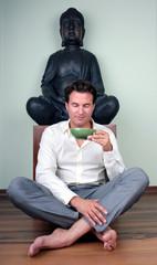 tee trinken wellness mann
