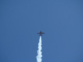 Düsen RC-Flugzeug mit Rauch