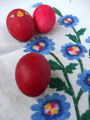 Three eggs on cloth