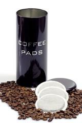 Kaffeepads und Dose