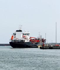 nave cisterna per trasporto di carburanti