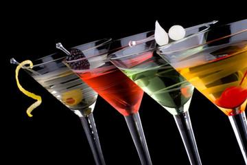 Obraz Classic martini - Most popular cocktails series - fototapety do salonu