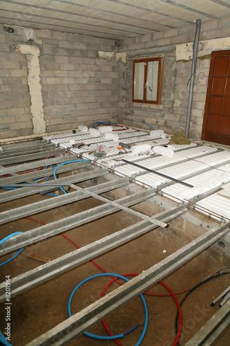 construction plancher precontraint avec poutrelles et. Black Bedroom Furniture Sets. Home Design Ideas