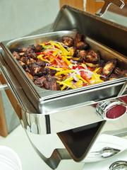 büffet,fritierte chicken wings,chafing dish, bankett gastronomie