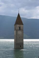 Versunkener Kirchturm